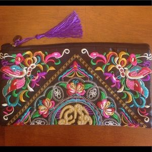 🐯⛩ Embroidered wristlet New!